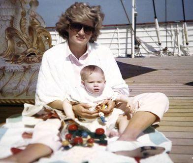 Książęta William i Harry pokazali niepublikowane dotąd zdjęcia z księżną Dianą