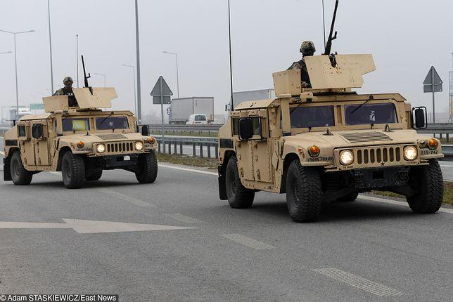 Jedn z pojazdów amerykańskiej kolumny wojskowej uderzył w inny