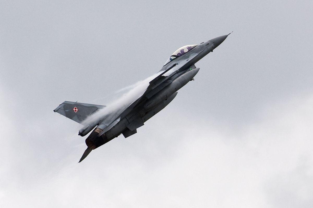 Bombowce nad Polską. Poderwano F-16