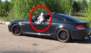 Skrajny popis głupoty. Mężczyzna pędził sportowym autem z niemowlęciem wystawionym przez okno