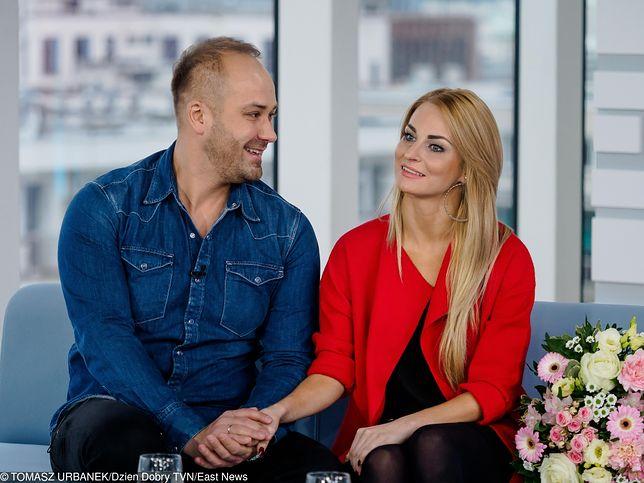 """""""Ślub od pierwszego wejrzenia"""": Anita i Adrian zostaną rodzicami. Pochwalili się ciążową sesją"""