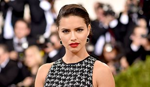 LOOK OF THE DAY: Adriana Lima w kreacji Giambattisty Valli