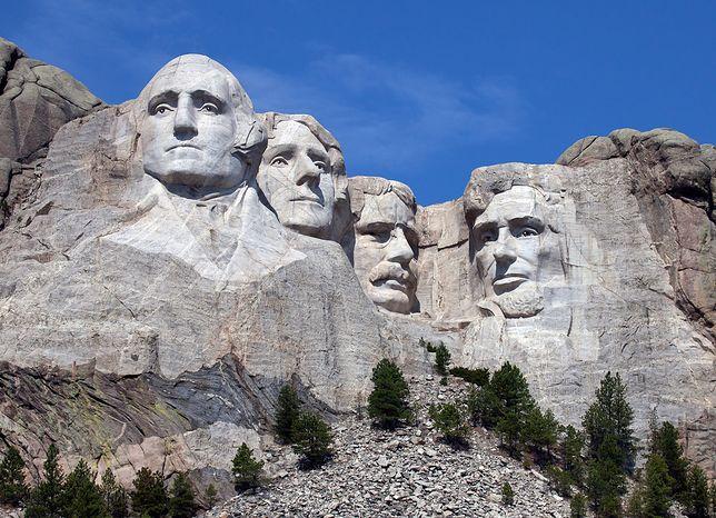 Mount Rushmore National Memorial przyciąga nawet kilka milionów gości rocznie