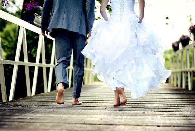 Coraz więcej Polaków stara się o unieważnienie ślubu kościelnego