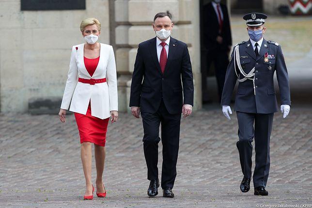 Dzień Flagi. Prezydent Andrzej Duda do Polonii: biało-czerwona flaga nas jednoczy