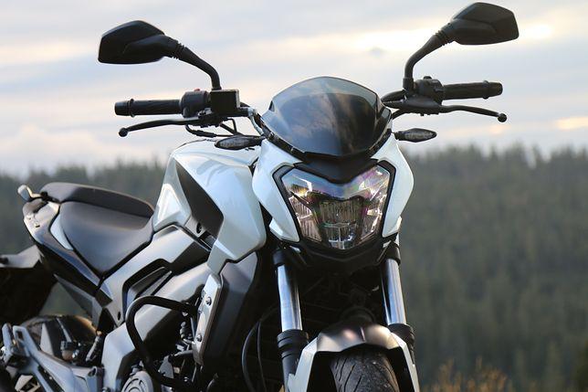 Motocykl Bajaj Dominar 400