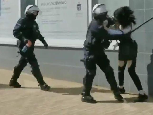 Policja twierdzi, że mogła użyć środków przymusu bezpośredniego