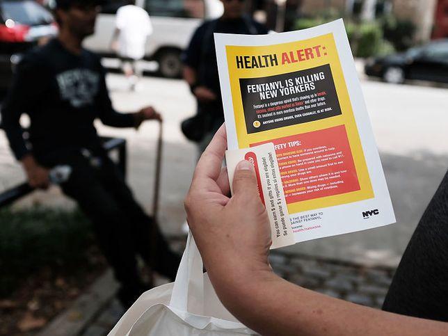 W Nowym Jorku rozdaje się ulotki ostrzegające o działaniu fentanylu