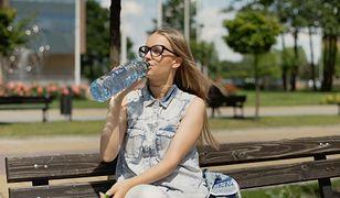 Podczas upałów nie pij zimnej wody. To niebezpieczne