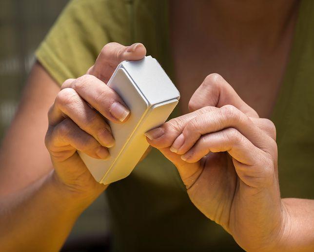 Warto przyglądać się kondycji swoich paznokci
