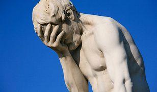 """Ocenzurowane posągi najlepiej opisuje popularny """"facepalm"""""""