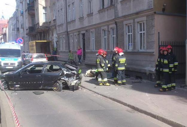 Zmarł pieszy potrącony na chodniku w Poznaniu. Zatrzymano drugiego z kierowców