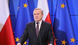 Koronawirus w Polsce. Wicepremier Piotr Gliński zapowiada nowe obostrzenia w walce z SARS-CoV-2