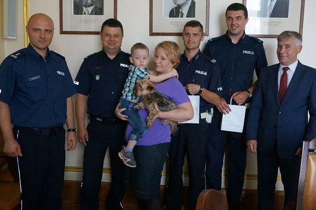 Radosny dzień dla rodziny i policjantów z Myszkowa