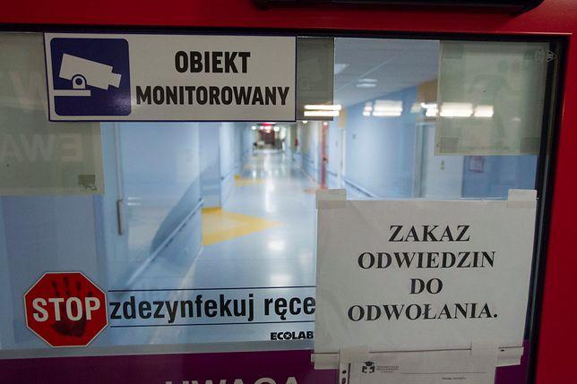 Zakazy odwiedzin wprowadziły m.in. szpitale w Lublinie i Wrocławiu