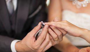 Rośnie liczba Polaków, którzy decydują się na ślub w bardzo młodym wieku