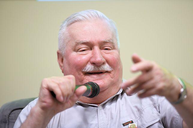 Lech Wałęsa znów śmieje się z prezydenta Andrzeja Dudy. Kolejny raz zestawia zdjęcia