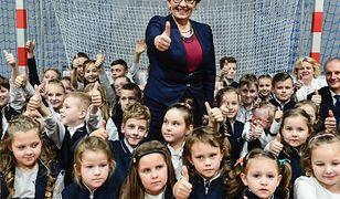 Minister edukacji: przywróciliśmy drożdżówki do szkół. PO: chaos i straty finansowe
