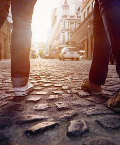 Wyjeżdżasz za granicę? Pięć zdań w czterech językach, które pomogą ci na wakacjach