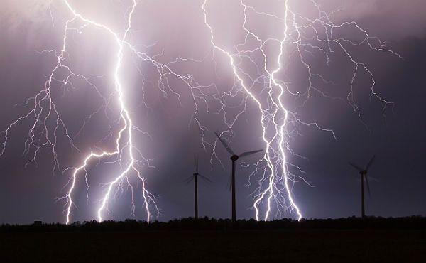 Nadciąga grad i burze - sprawdź prognozę pogody