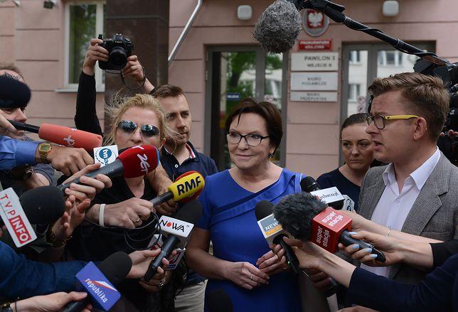 """Ewa Kopacz przesłuchana ws. Smoleńska. """"Decyzja o ekshumacji nie należy do polityka""""."""