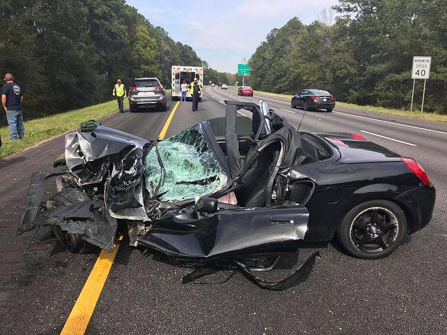 Wypadek wyglądał na śmiertelny. Kierowca Toyoty MR2 wyszedł z niego z lekkimi urazami