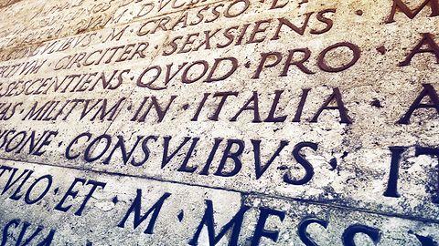 O sieciowych tłumaczach: Język kłamie Internetowi, a Internet myślom kłamie