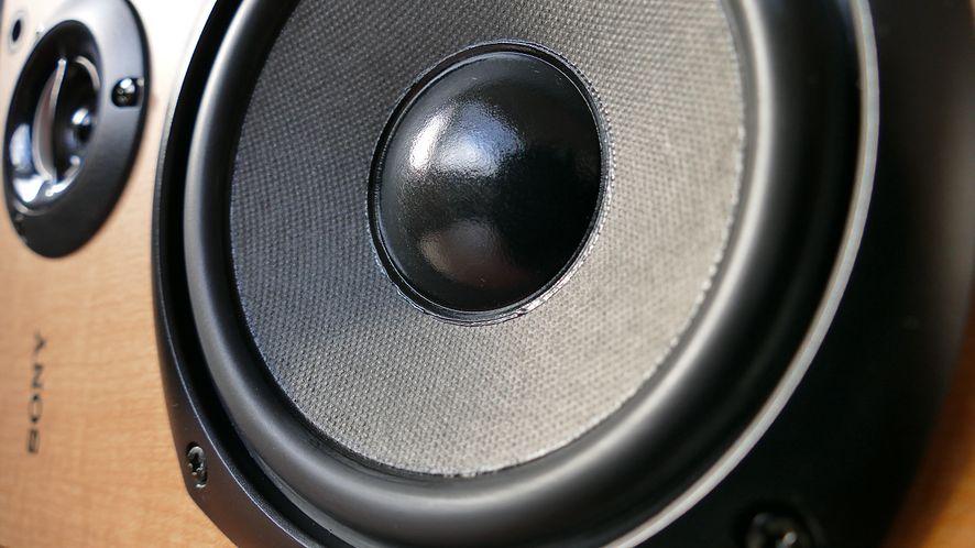 Przetestuj Nuclear – dobrze rokujący odtwarzacz muzyki z YouTube'a, SoundClouda i innych