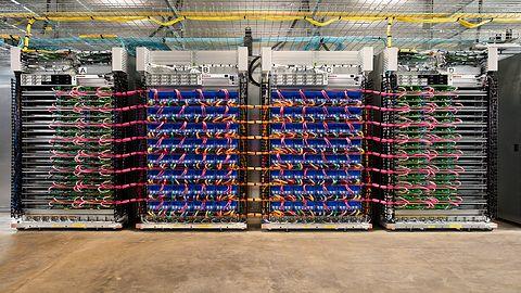 180 TFLOPS na jednej karcie napędzi google'ową chmurę AI