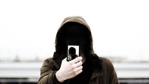 Android Q wprowadza idealną funkcję dla paranoików. Jednym kliknięciem wyłączysz wszystkie sensory
