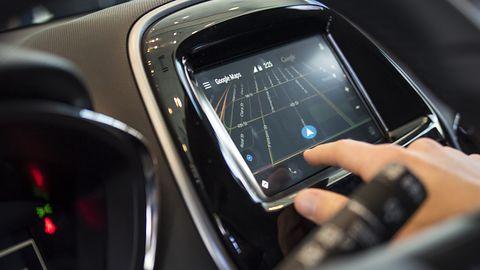 Android Auto obsłuży dual-SIM: koniec problemów z połączeniami