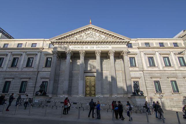 Siedzibą hiszpańskiego parlamentu jest Madryt