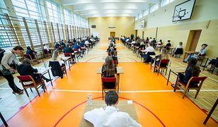 Matura 2019: angielski poziom podstawowy. Udostępniliśmy arkusz CKE egzaminu maturalnego z języka angielskiego i harmonogram kolejnych matur