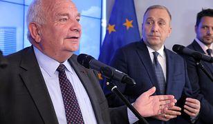 Joseph Daul podczas wizyty w Warszawie chwalił polską gospodarkę. Grzegorz Schetyna i Rafał Trzaskowski wyglądali na skonsternowanych