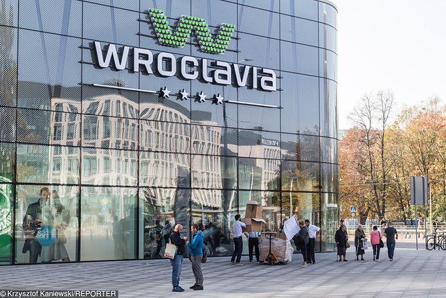 Wrocław. Podejrzane listy w punkcie firmy kurierskiej DPD