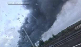 Kłęby dymu unoszące się nad Glasgow po pożarze magazynu