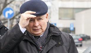 """Jarosław Kaczyński chce szczepionki na koronawirusa. """"Jest zdeterminowany, żeby promować szczepienia"""""""