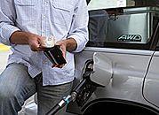 Analitycy: ceny paliw na stacjach przestały rosnąć