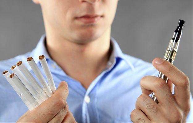 E-papierosy już nie dla nieletnich i nie w miejscach publicznych. Za ich reklamę grozi 200 tys. zł. kary