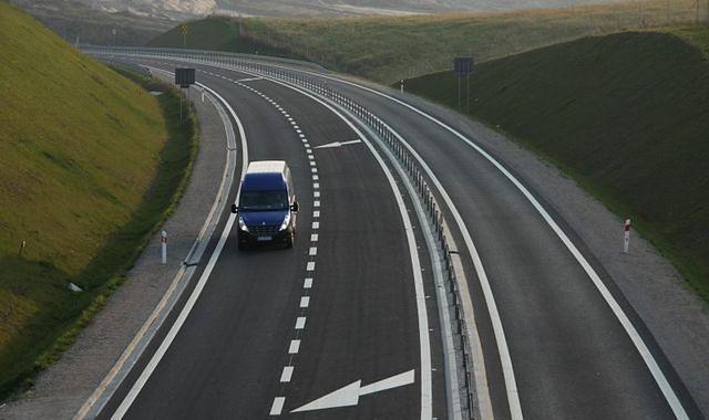 Polskie drogi mają opierać się na układzie 2+1