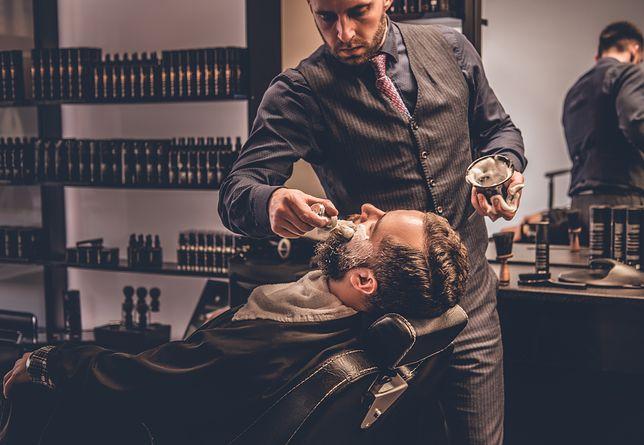Przy dopasowaniu typu zarostu do twarzy możesz również liczyć na pomoc profesjonalnego barbera