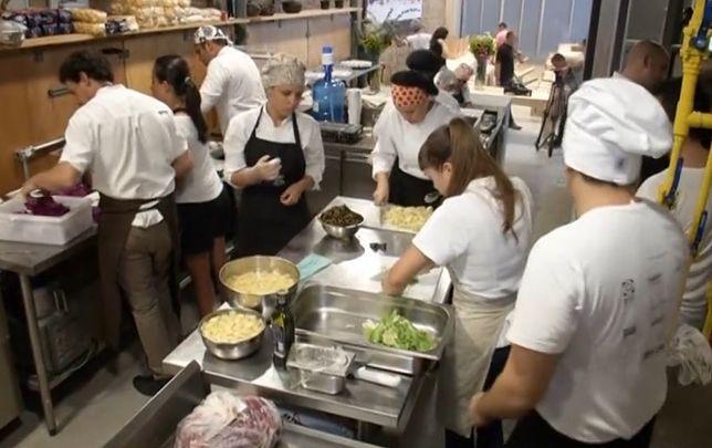 Wykorzystał resztki jedzenia z wioski olimpijskiej, by nakarmić głodnych