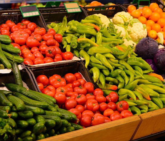 Owoce i warzywa na bazarze