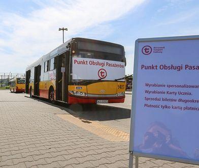 Warszawa. Na ulice wyjechały mobilne Punkty Obsługi Pasażerów