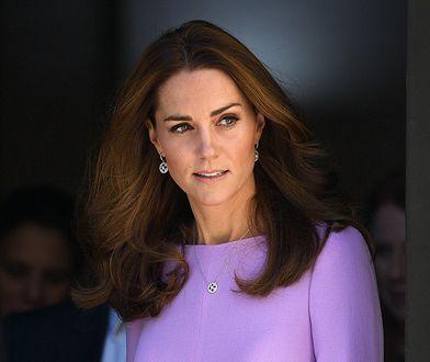 Księżna Kate w lawendowej sukience wzbudziła zainteresowanie
