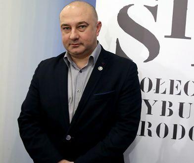 Ogłoszono infamię dla Bolesława Bieruta i brata Adama Michnika