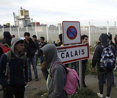W ruch poszły kije i kamienie. W Calais starli się ze sobą imigranci