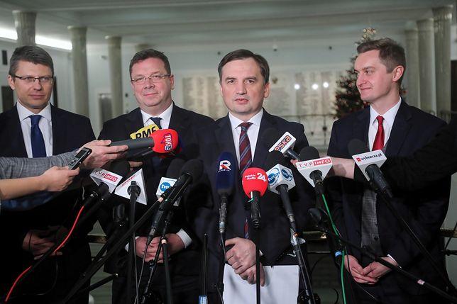 """Sejm. Zbigniew Ziobro o kontrowersyjnej ustawie. """"To remedium"""""""