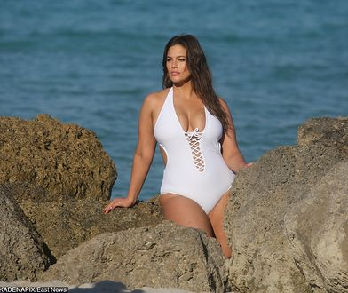 Ashley Graham znów prowokuje. W kusym bikini pozuje w Miami