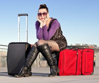 Przewoźnik na obowiązek dostarczyć pasażera w pierwszy możliwy sposób do miejsca docelowego, bez względu na przyczynę odwołania lotu